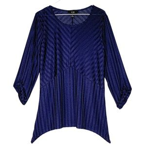 AGB Blouse navy blue high low